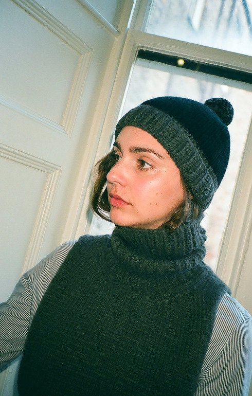 epitome_camerontaylor_2colourbobblehat_1477045084Hats00036.jpg