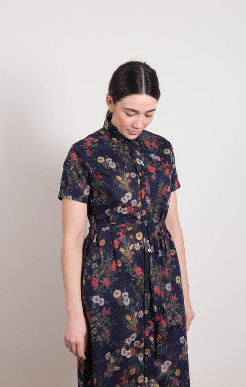 epitome_engineeredgarmentsfwk_bdshirtdressnavyfloral_1521034750cc5764.jpg