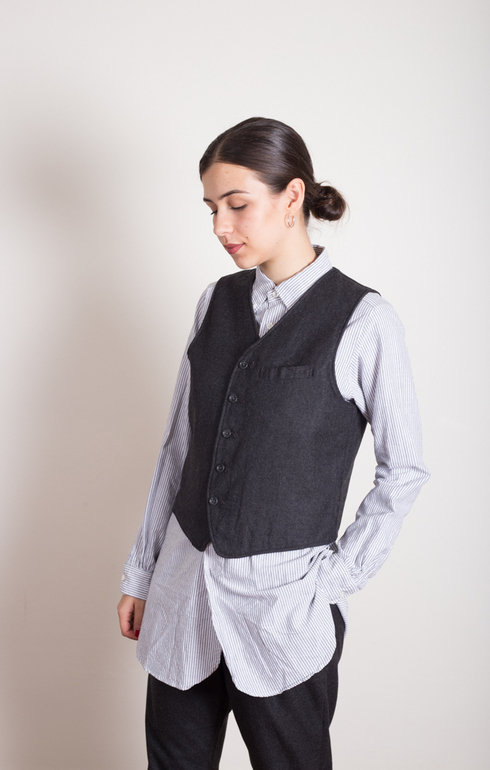 epitome_engineeredgarmentsfwk_reversiblevestdkgreyworstedwool_1507816192EpitomeShoot6385.jpg