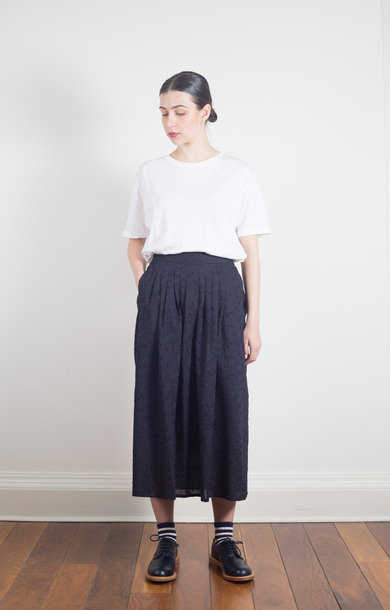 Sakura Fubuki Embroidery Tuck Skirt