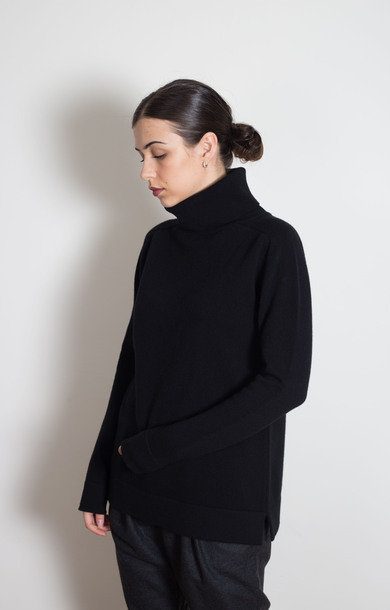 Plain Roll Neck Black