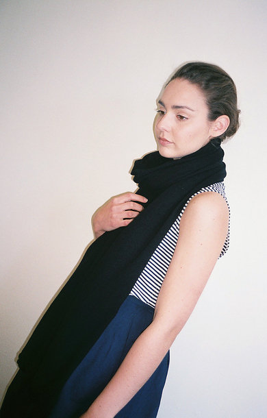 Wide Plain Scarf Black