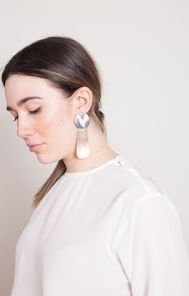 Earrings Horn Long + Bronze Lg Tag Grey