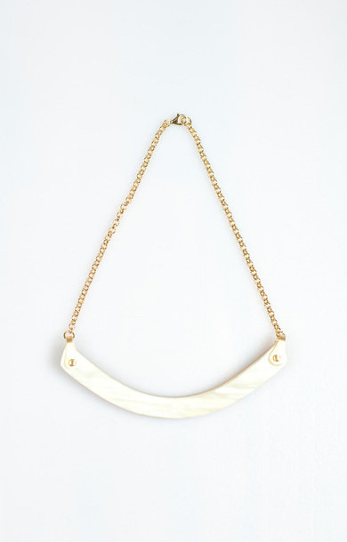 Necklace Horn Smile Choker Beige
