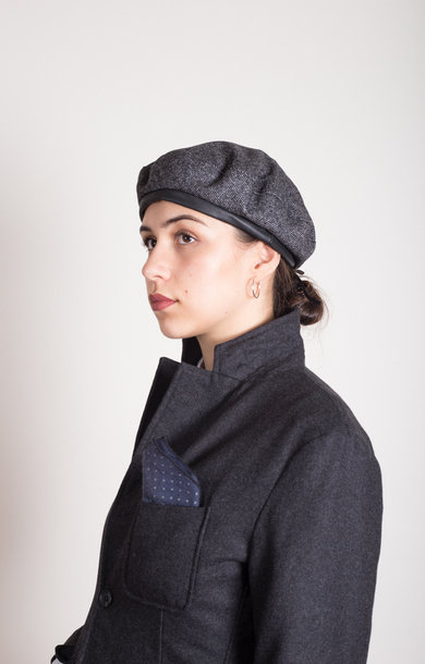 Beret Charcoal Wool Homespun
