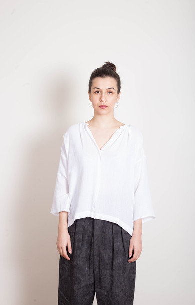 White Cotton Raw V Top
