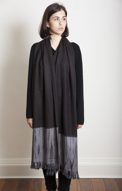 Tesuji Shibori Travel Shawl Dark Black/Grey