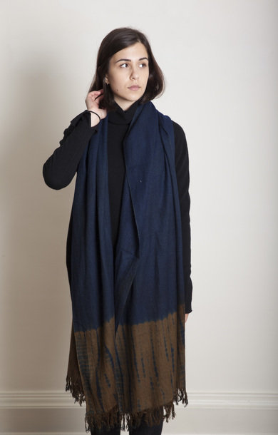 Tesuji Shibori Travel Shawl Dark Blue/Brown
